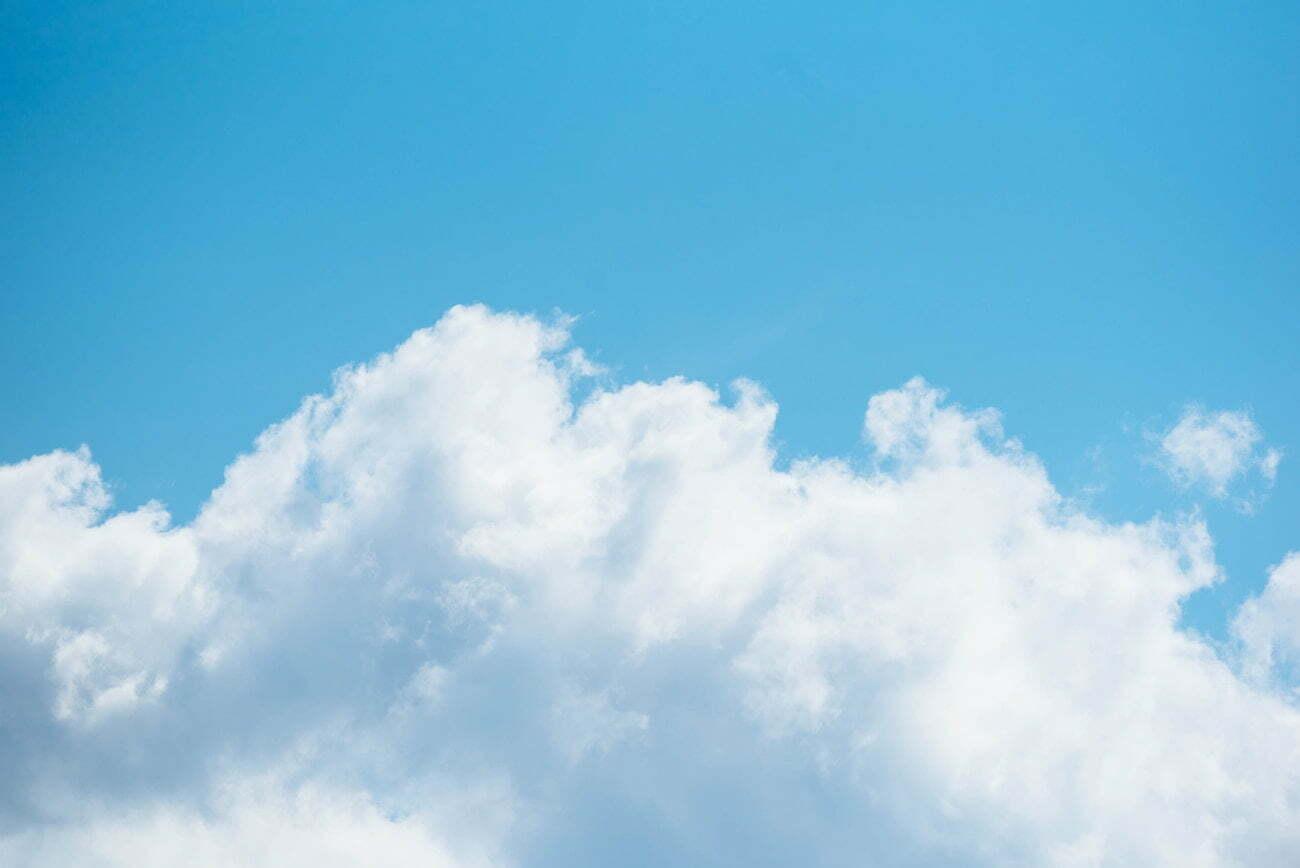 【夢占い】空に関する夢の10の意味とは?
