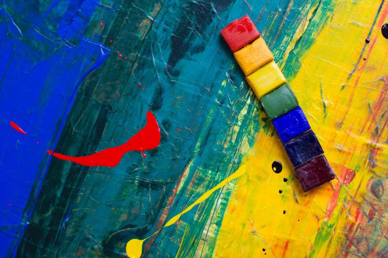 【夢占い】「色」が示す夢の11の意味とは?鮮やかであれば良い兆候